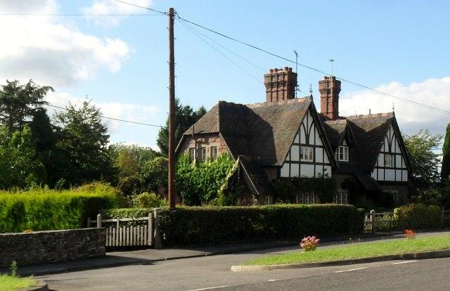 Mock Tudor cottages, Quatt