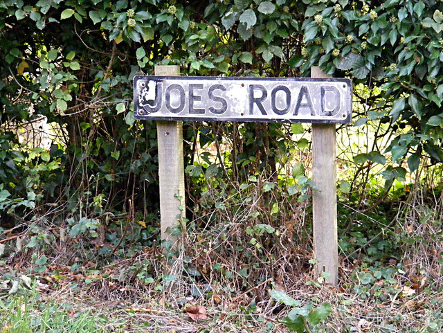 Joes Road sign