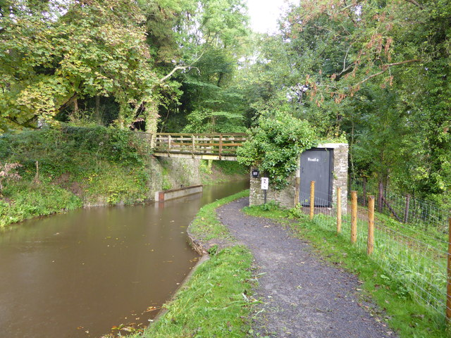 Footbridge over the Mon. & Brec. canal at Llangattock
