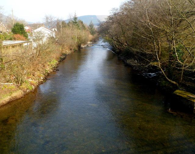 Afon Afan flows towards Ynysygwas Hill bridge, Cwmavon