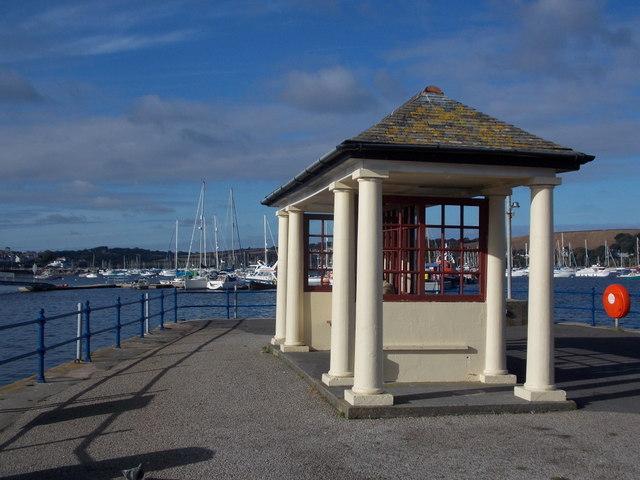 Falmouth: shelter at Custom House Quay