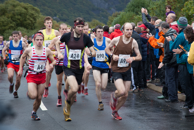 Lead runners at the start of the 2013 British Fell Relay Championships