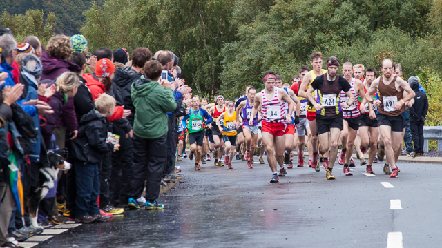 Spectators and runners at the 2013 British Fell Relay Championships