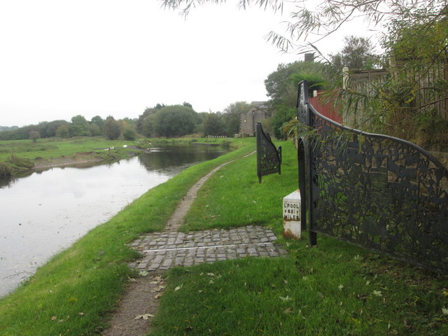 Half way point on the Leeds & Liverpool Canal