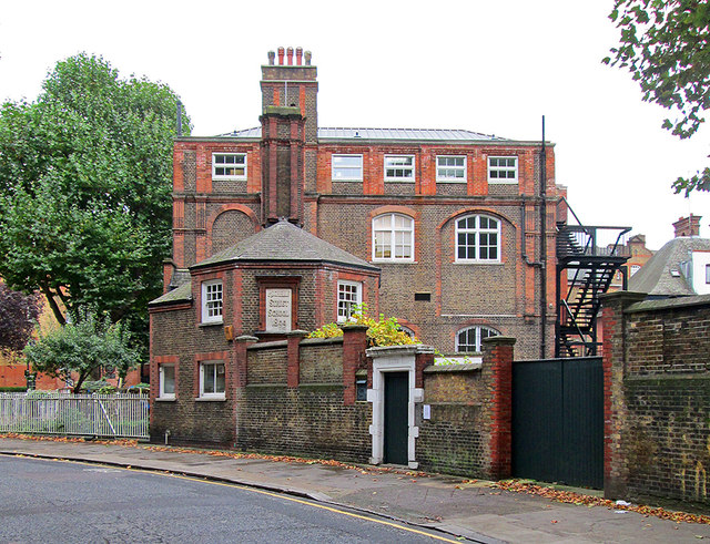 Arnold Circus: Rochelle Street School