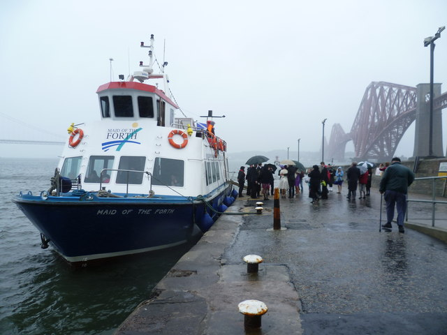 Maid of the Forth at the Hawes Pier