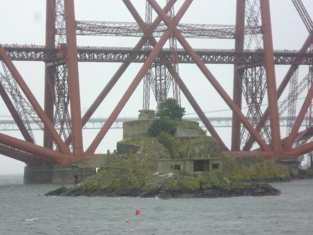 Inchgarvie and the Forth Bridge