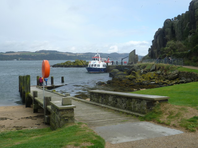 'Maid of the Forth' at Inchcolm