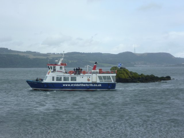 The 'Maid of the Forth' passing Swallow Craig
