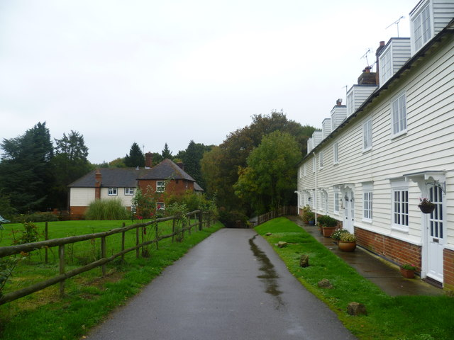 Houses on the Medway Valley Walk