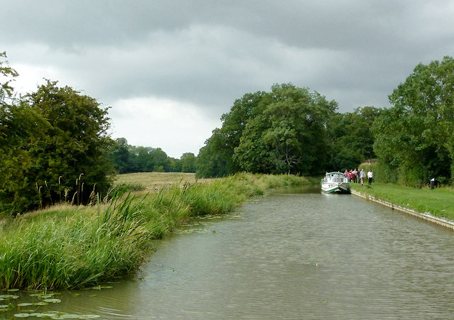 Grand Union Canal south-east of Newton Harcourt, Leicestershire