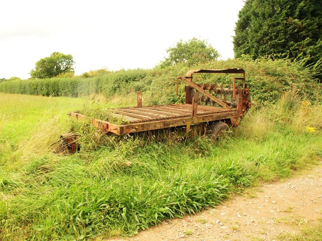 Abandoned trailer by Filton Road