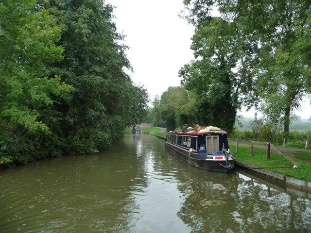 Kennet & Avon canal, between bridges 81 and 80