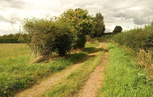 Path approaching Filton Road