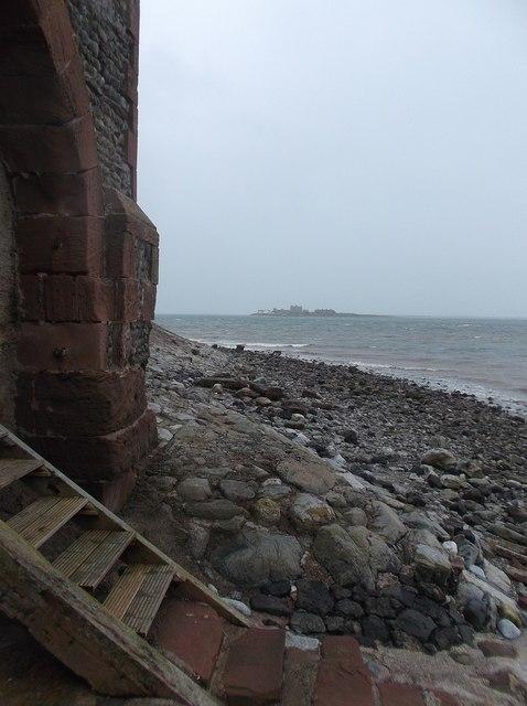 Steps and shore, Roa Island