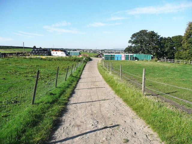 Elland FP58 leaving Holywell Green