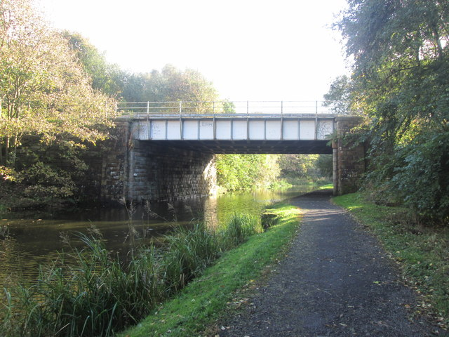 Railway bridge 124C near Rose Grove