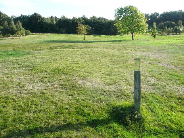 Elland FP57 south of Bradley Hall golf clubhouse
