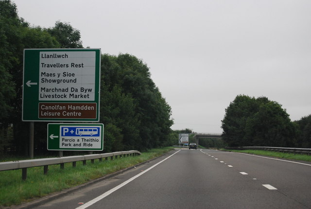 A40, approaching Travellers Rest turning
