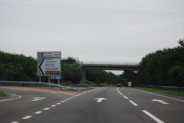 A40, Travellers Rest turning