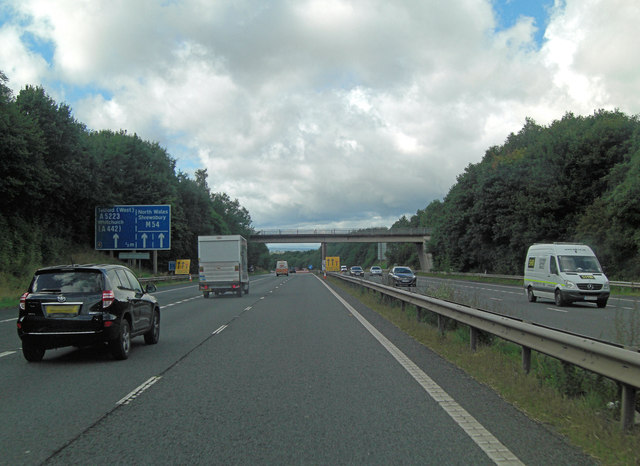 M54 approaches Garfield Road overbridge