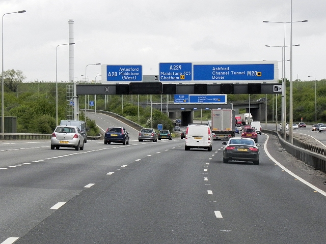 Southbound M20, Exit at Junction 5