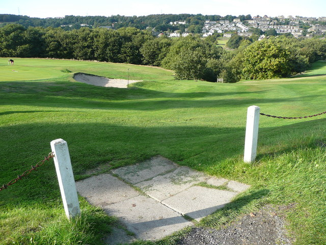 Elland FP86 north of the golf clubhouse