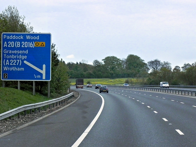 Southbound M20 Nearing Junction 2