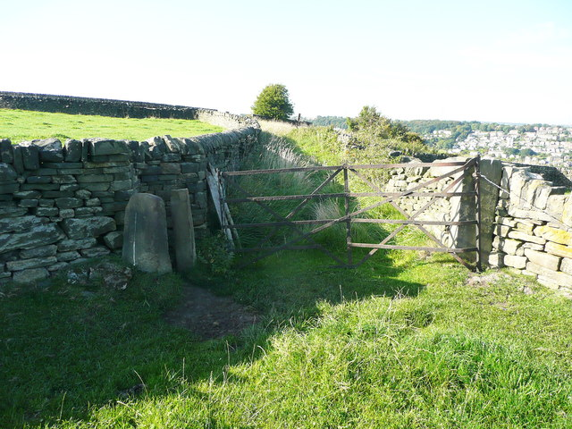 Stile and gate on Elland FP58