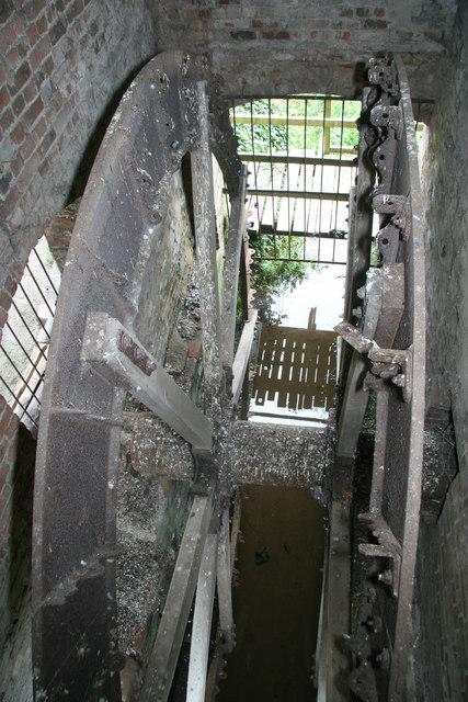 Mickle Trafford Mill - south wheel