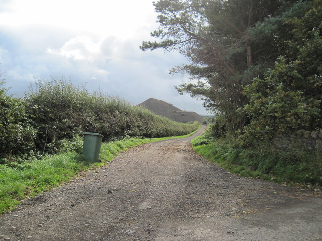 Track  to  fields  from  Kilton  Thorpe  Lane