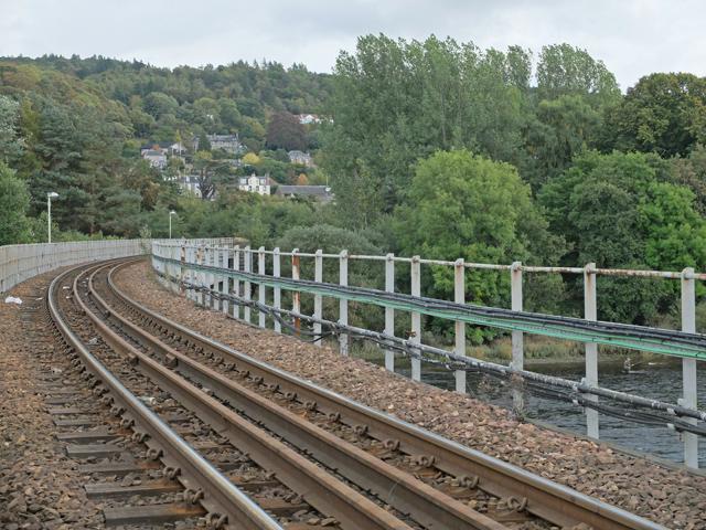 Rail bridge across the Tay