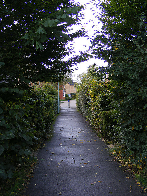 Footpath to Kingfisher Rise