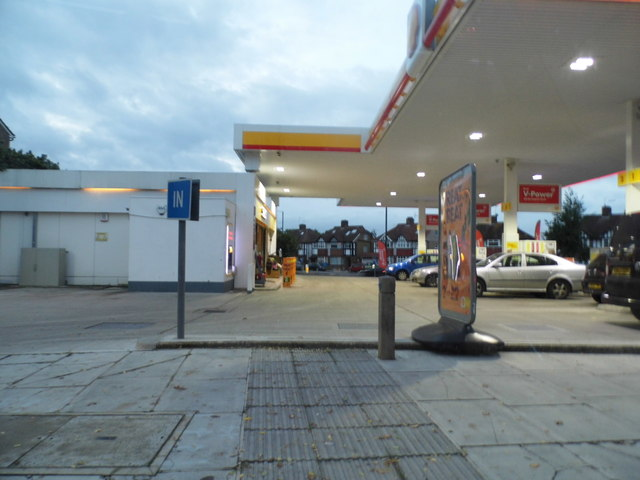 Shell petrol station on Staines Road, Hanworth