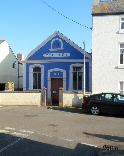 Ysgoldy, Beaumaris