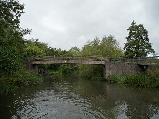 Wickham Knight Footbridge [no 30] from the east