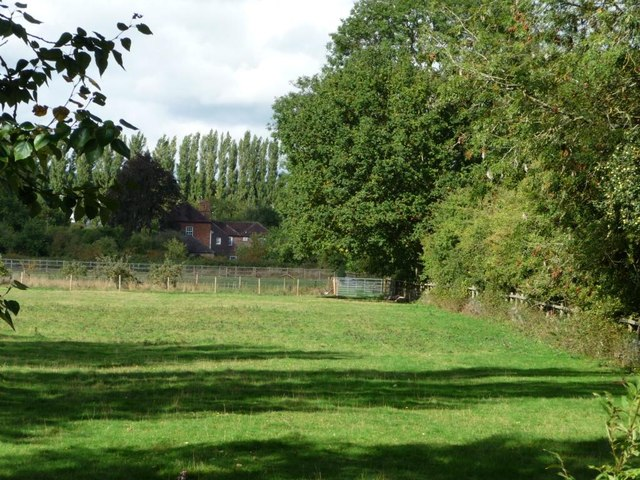 Large house by the railway line, Aldermaston Wharf