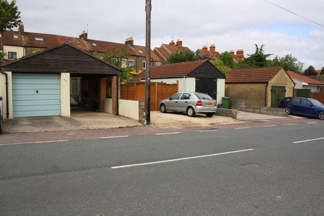 Garages on Rossiter's Road for houses on The Butts