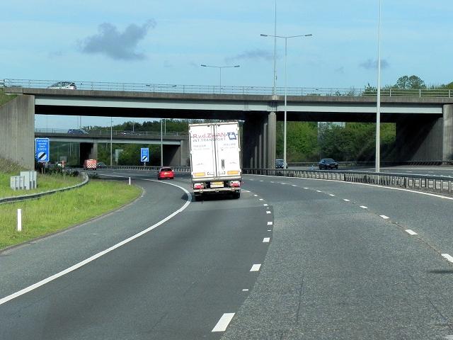 M20 Maidstone, Bridges at Junction 7