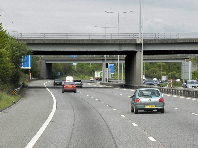 M20, Bridges at Junction 7