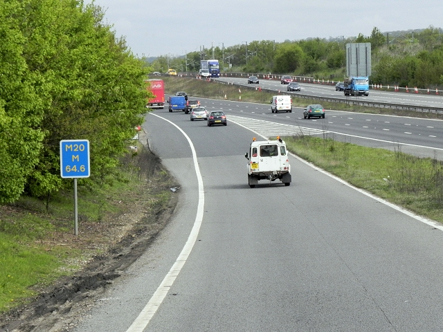 Northbound M20, Entry Sliproad at Junction 8