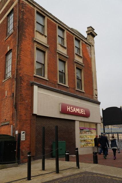 H Samuel on Whitefriargate, Hull