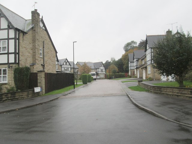 Parkwood Way - Parkwood Avenue