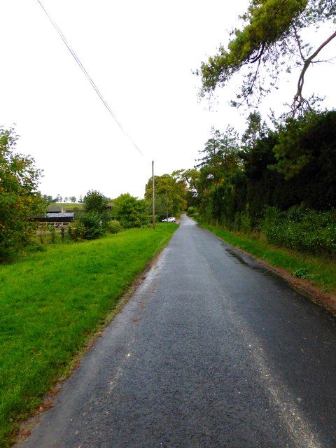 Looking west on Rectory Road from Thurle Grange