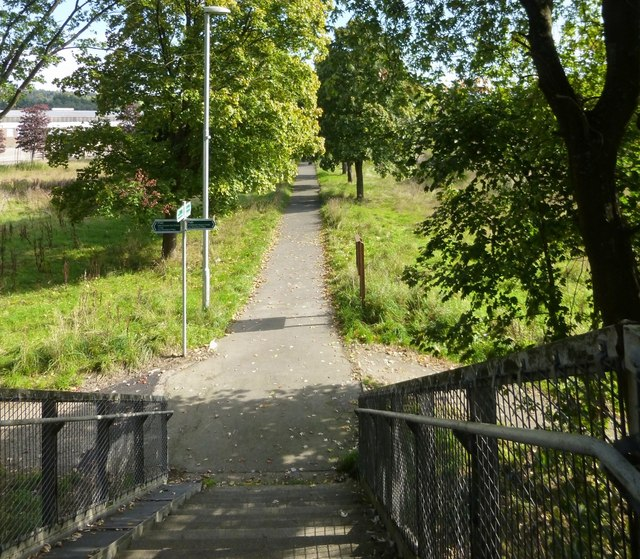 Path to Vale of Leven Industrial Estate
