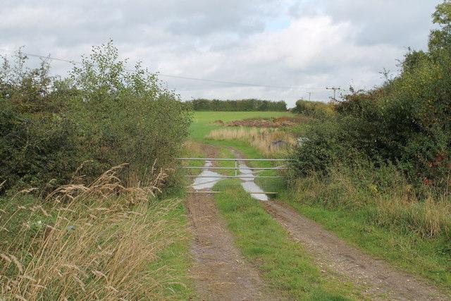Field entrance off Broughton Heath Road