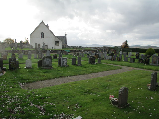 Abernethy Old Kirk and graveyard