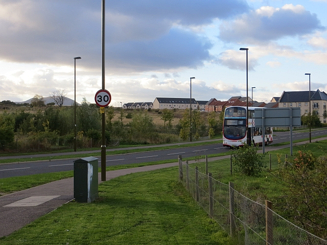 Number 31 bus, Burnbrae Terrace