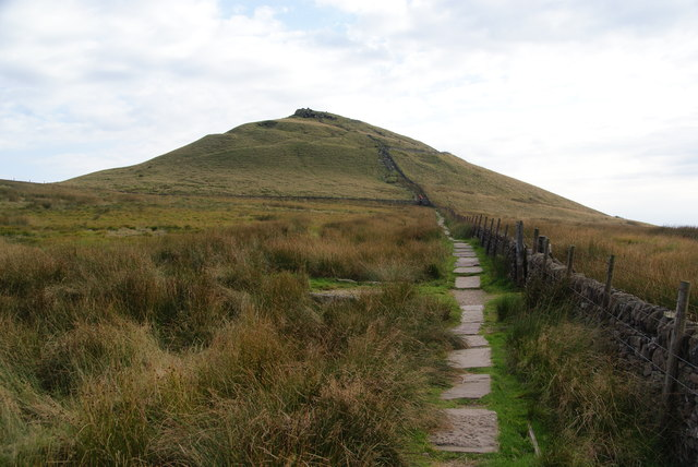 Paved path to Shutlingsloe