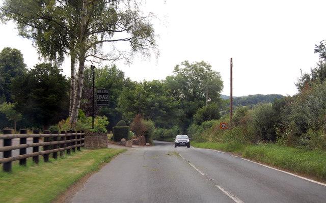 B4224 past How Caple Grange Hotel